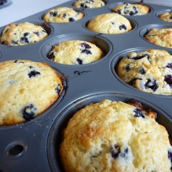 """Muffins aux bleuets • <a style=""""font-size:0.8em;"""" href=""""http://www.flickr.com/photos/49365768@N06/5115574531/"""" target=""""_blank"""">View on Flickr</a>"""